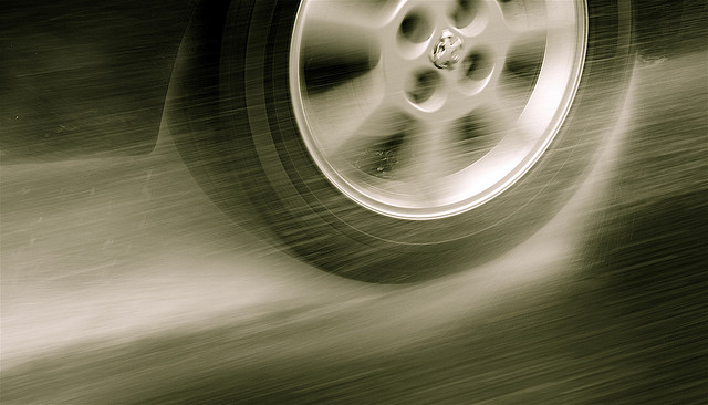 tire-raining-driving